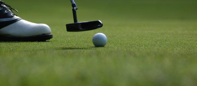 Få mere ud af din ferie: kombiner fodbold og golf
