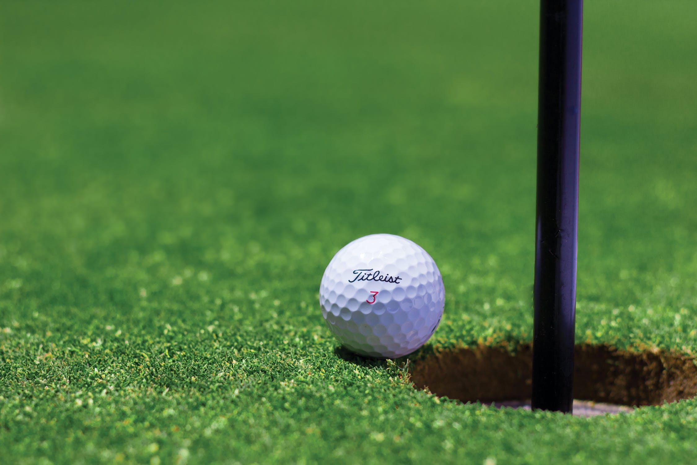Derfor bør du købe dine golfbolde på nettet